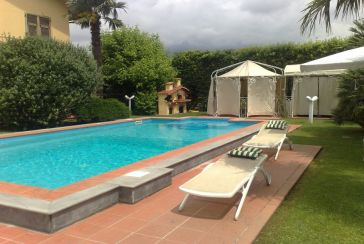 Foto Appartamento Rif.AFS113 in affitto-settimanale situato a Marina di Massa