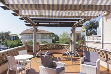 Foto Appartamento Rif.AFS102 in affitto-settimanale situato a Forte dei Marmi