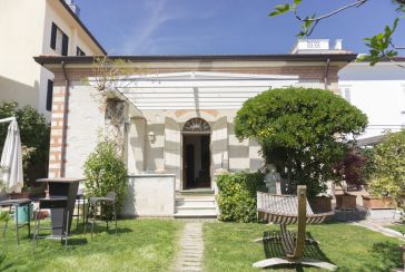 Main photo about Apartment Ref.AFS104 for weekly-rent located in Forte dei Marmi