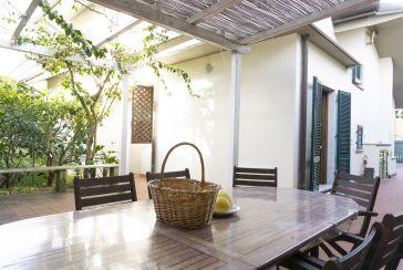 Foto Casa Bi/Trifamiliare Rif.AF041 in affitto-stagionale situato a Forte dei Marmi