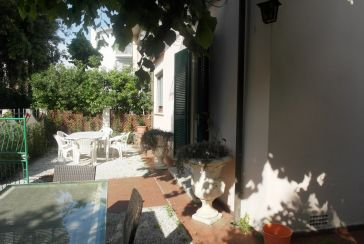 Main photo about Single House Ref.AF284 for seasonal-rent located in Marina di Pietrasanta