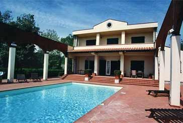 Main photo about Villa with swimming pool Ref.AF005 for weekly-rent located in Cinquale