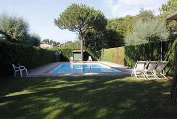 Foto Villa con Piscina Rif.AFS124 in affitto-settimanale situato a Marina di Massa