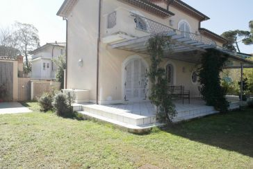 Main photo about Villa Ref.AF141 for seasonal-rent located in Marina di Pietrasanta