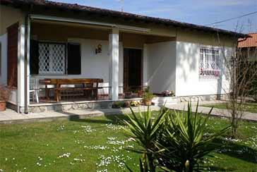 Foto Villa Rif.AF158 in affitto-stagionale situato a Forte dei Marmi