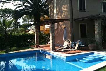 Foto Villa Rif.AF179 in affitto-stagionale situato a Forte dei Marmi