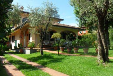 Foto Villa Rif.AF199 in affitto-stagionale situato a Forte dei Marmi