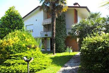 Foto Villa Rif.AF220 in affitto-stagionale situato a Forte dei Marmi