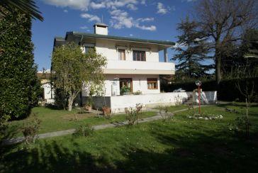 Foto Villa Rif.AF259 in affitto-stagionale situato a Forte dei Marmi