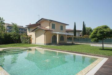 Foto Villa con Piscina Rif.AF277 Cinquale