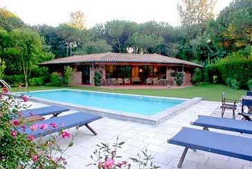 Main photo about Villa with swimming pool Ref.AF070 for seasonal-rent located in Marina di Massa