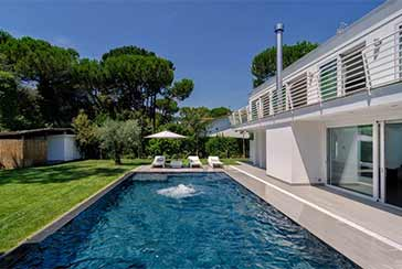 Main photo about Villa with swimming pool Ref.AF239 for seasonal-rent located in Marina di Massa