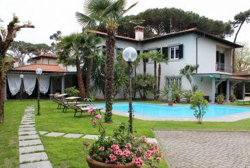 Foto Villa con Piscina Rif.AF262 Marina di Pietrasanta
