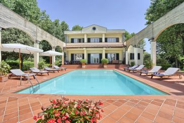 Main photo about Villa with swimming pool Ref.AF392 for seasonal-rent located in Cinquale