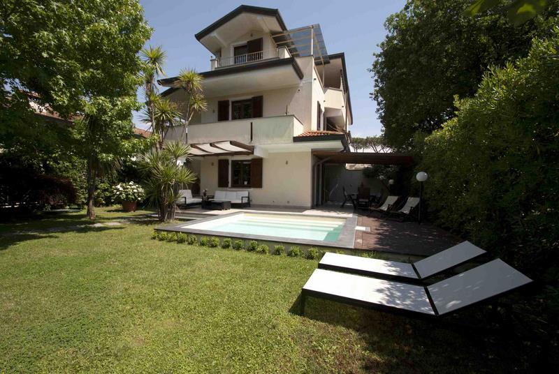 Main photo of Villa with swimming pool Ref.AFS042