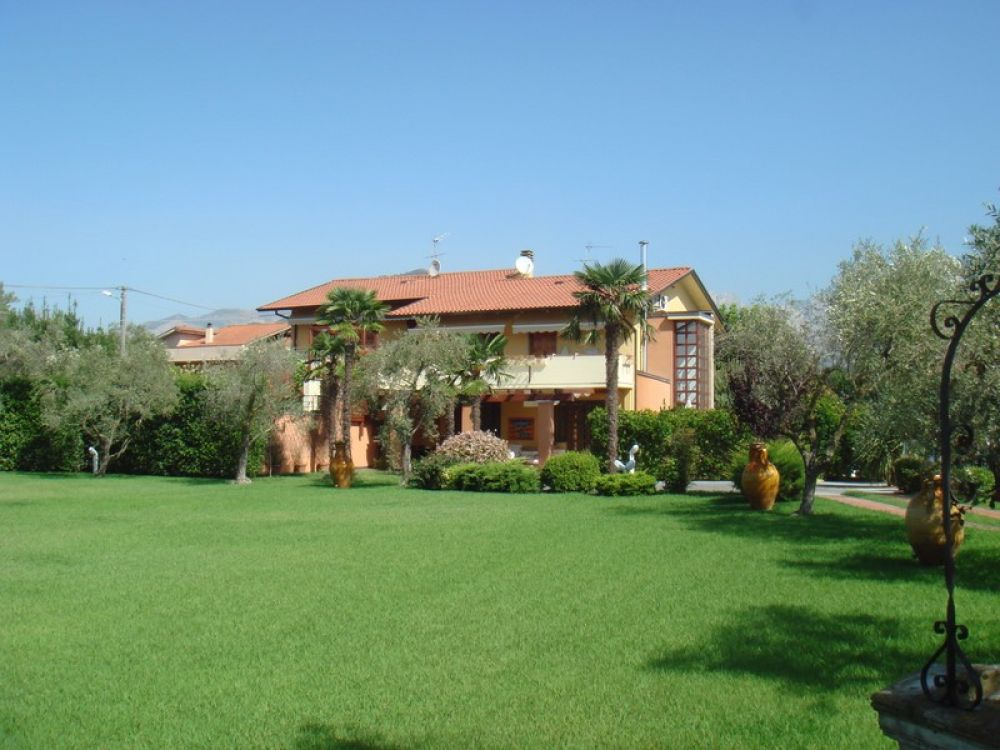 Main photo of Villa with swimming pool Ref.AFS112