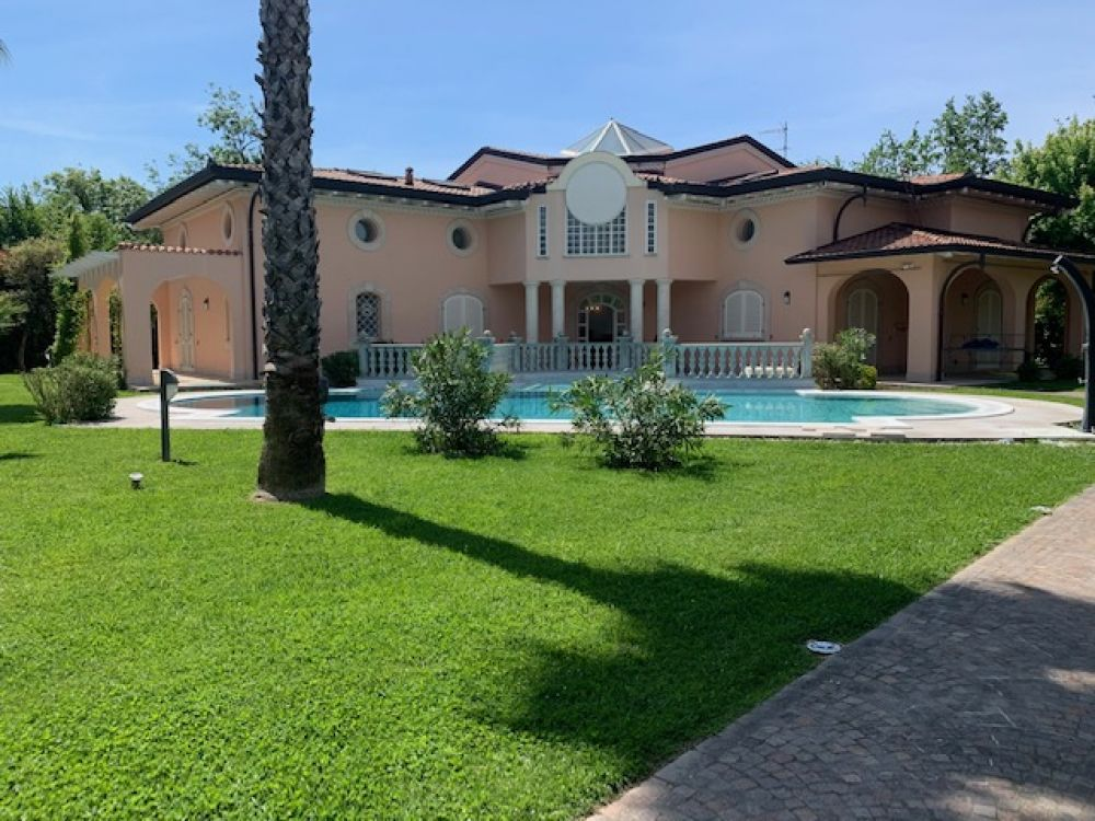 Villa con piscina rif af293 con piscina a forte dei marmi agenzia immobiliare ciavarella - Villa con piscina roma ...