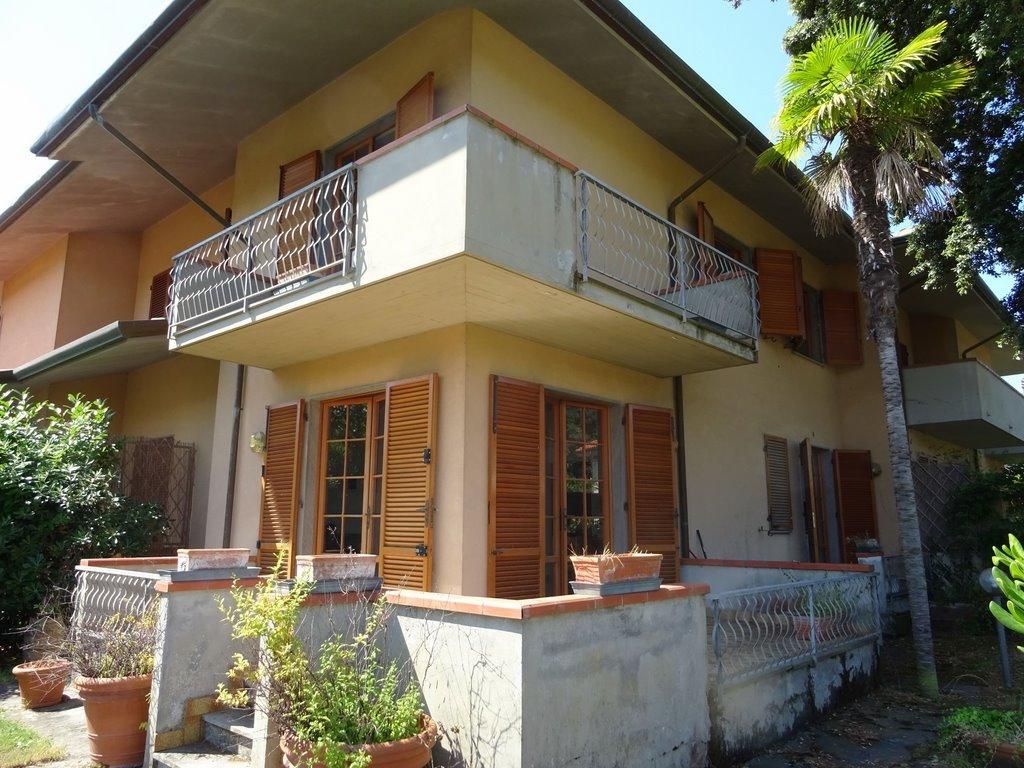 Foto Casa Bi/Trifamiliare Rif.P364