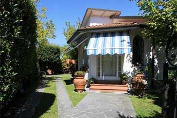 Foto Casa Indipendente Rif.F630 in vendita situato a Forte dei Marmi