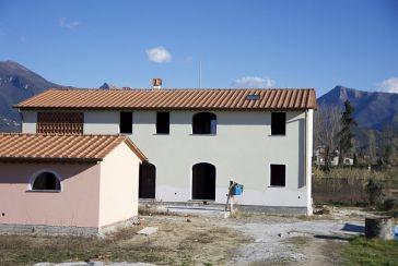 Фото каменный дом Рек.LC803 for sale located in Лидо ди Камайоре
