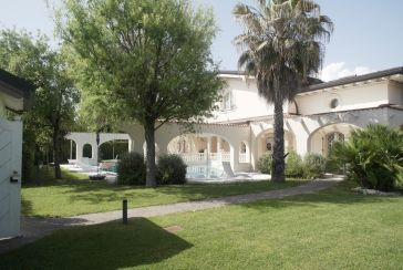 Foto Villa con Piscina Rif.F506 in vendita situato a Forte dei Marmi