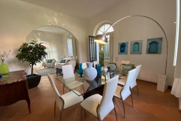 Main photo about Villa Ref.F402 for sale located in Forte dei Marmi