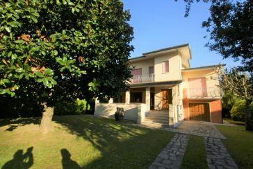 Foto Villa Rif.F841 Lido di Camaiore