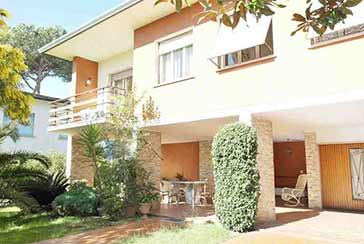 Main photo about Villa Ref.LC802 for sale located in Lido di Camaiore