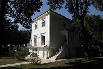Foto Villa Rif.R277 in vendita situato a Marina di Massa