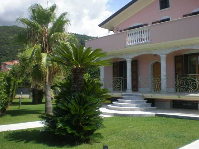 Foto principale Villa con Piscina Rif.MC823