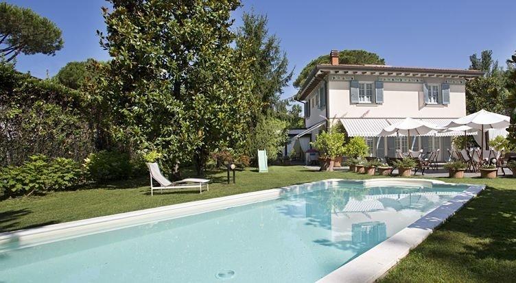 Foto Villa con Piscina Rif.F599