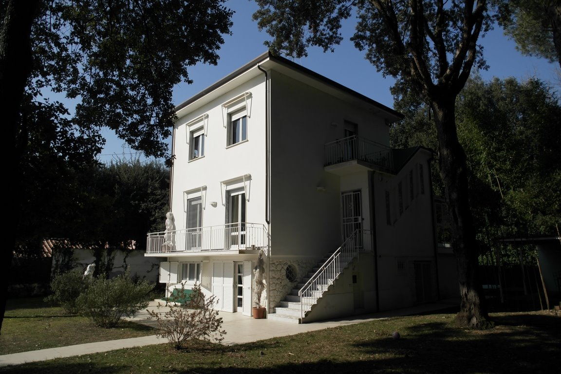 Photo about Villa Ref.R277